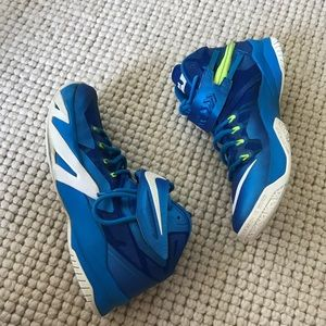 competitive price 5289e 8af51 Nike Shoes - Nike Zoom Soldier 8 Blue Volt Basketball Shoes